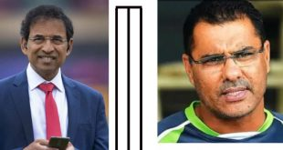 Harsha Bhoglay demand apology from Waqar Younas